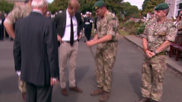 prince harry visits royal marines commando training centre; england: devon: lymptsone: royal marines commando training centre: prince harry, duke of... - 英国海兵隊点の映像素材/bロール