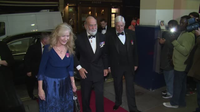 prince michael of kent at theatre royal on october 07 2018 in london england - prinz michael von kent stock-videos und b-roll-filmmaterial