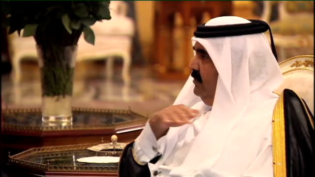 prince of wales criticised over chelsea barracks intervention r01110802 riyahd int brown sitting with peter mandelson at meeting with sheikh hamad - barracks stock videos and b-roll footage