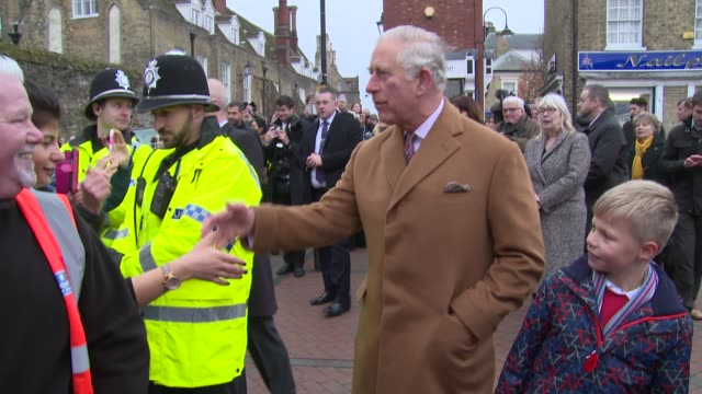 vídeos de stock, filmes e b-roll de prince of wales duchess of cornwall at ely market place on november 27 2018 in ely england - realeza britânica