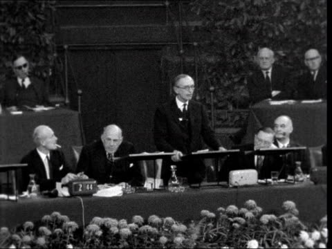 prince philip addresses institute of directors conference; england: london: royal albert hall: int lord home on dais: sof: - if the president of the... - alec douglas home video stock e b–roll