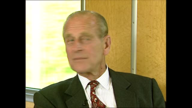 prince philip interviewed on the environment; switzerland: berne: int prince philip, duke of edinburgh along train platform and boarding train, and... - interview raw footage stock videos & royalty-free footage