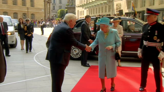 prince philip 'progressing satisfactorily' following exploratory surgery bbc broadcasting house photography** queen elizabeth from limousine onto red... - limousine stock-videos und b-roll-filmmaterial