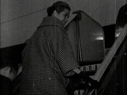 prince rainier and princess grace of monaco fly home england london lap gvs princess grace of monaco [grace kelly] past cs aristotle onassis past ms... - prince rainier iii of monaco stock videos & royalty-free footage