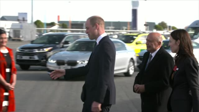 prince william and jacinda ardern arrive in christchurch new zealand prince william duke of cambridge and jacinda ardern arrive by plane in... - anzac day stock videos & royalty-free footage