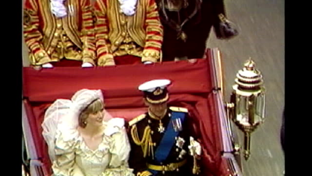 prince william and kate middleton engagement: details of wedding day revealed; tx 29.7.1981 high angle view of princess diana and prince charles,... - horsedrawn stock videos & royalty-free footage