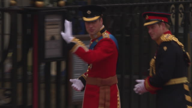 stockvideo's en b-roll-footage met prince william and prince harry arrives at westminster abbey at the royal wedding arrivals westminster abbey a roll at london england - westminster abbey