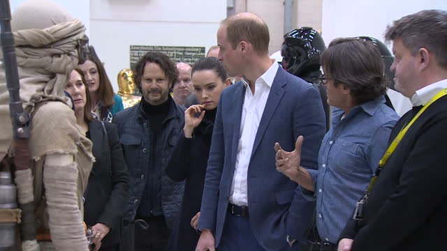 vídeos de stock, filmes e b-roll de prince william and prince harry toured the star wars set and workshops at pinewood studios and met some of the stars of the movies shows prince... - série de filmes star wars