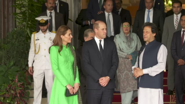 PAK: Official Meeting with the Prime Minister of Pakistan -The Duke and Duchess of Cambridge visit Pakistan