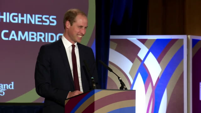 prince william greets welsh rugby squad at rwc 2015 welcome ceremony for wales. shows prince william, duke of cambridge taking the stage and giving... - typisch walisisch stock-videos und b-roll-filmmaterial