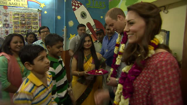 prince william has raised the pressures facing the uk steel industry with the indian prime minister during the royal tour of the country the lunch... - 首相点の映像素材/bロール