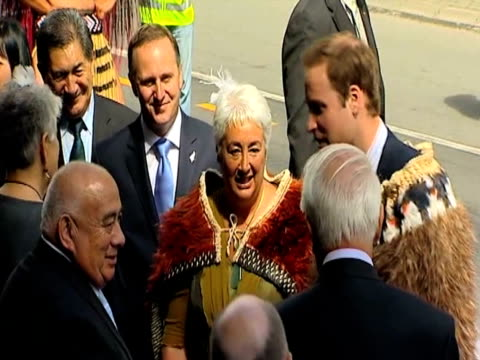 stockvideo's en b-roll-footage met prince william is given traditional 'hongi' welcome by former governor general sir paul reeves during recent visit to new zealand 18 january 2010 - eskimokus geven