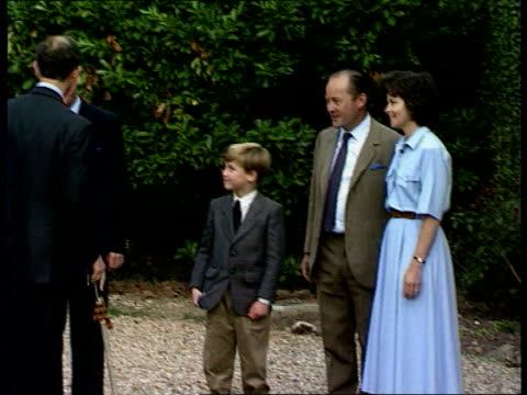 prince william to attend eton cr2946 10990 itn ludgrove ms side prince william shaking hands with headmasters pull out as prince and princess of... - courtyard stock videos and b-roll footage