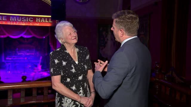 prince william urges politicians to work together in speech in northern ireland; northern ireland: belfast: empire hall: int lady peters interview... - メアリー ピータース点の映像素材/bロール