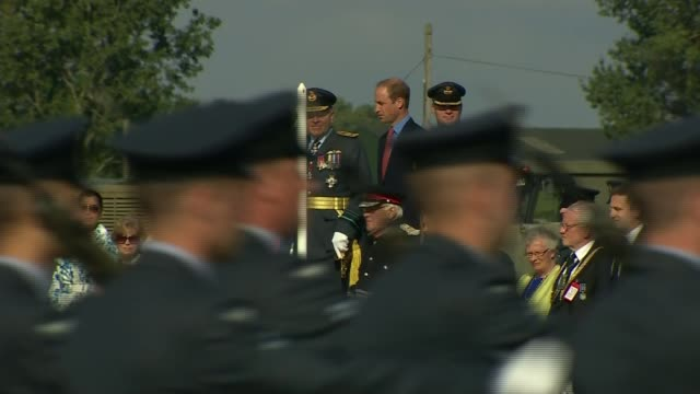 prince william visit the home of the battle of britain memorial flight england lincolnshire raf coningsby ext prince william the duke of cambridge... - リンカンシャー点の映像素材/bロール