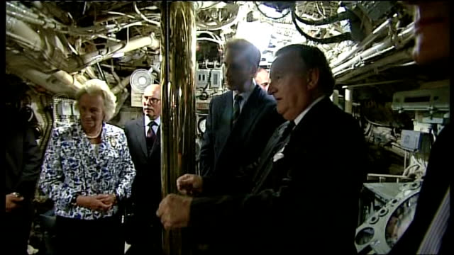vídeos de stock e filmes b-roll de prince william visit to royal navy submarine museum; england: hampshire: gosport: the royal navy submarine museum: int prince william is shown around... - hampshire