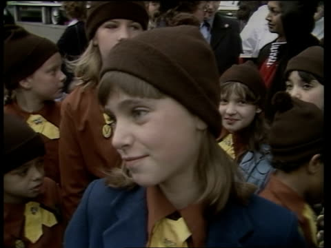 vídeos de stock e filmes b-roll de prince william's birthday itn kensington ms brownies along to kensington palace la windows of kensington palace brownie on wanting her parents with... - 1983