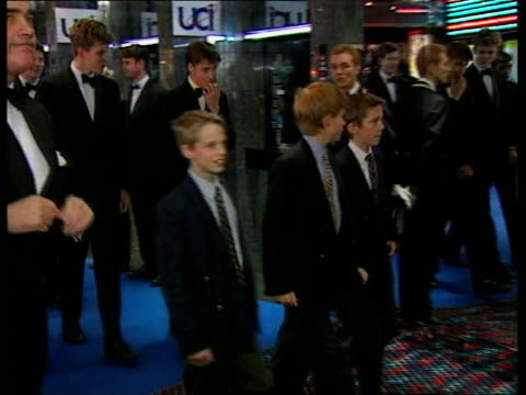 princes collection 2; tx 15.12.97 15.12.97 charles, william & harry at the premiere of 'spiceworld' england: london: leicester square: night charles,... - only girls stock videos & royalty-free footage