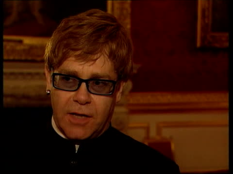 princes trust 25th anniversary; itn elton john interviewed sot - he's one member of the royal family that wears his heart on his sleeve, wants to... - jahrestag stock-videos und b-roll-filmmaterial