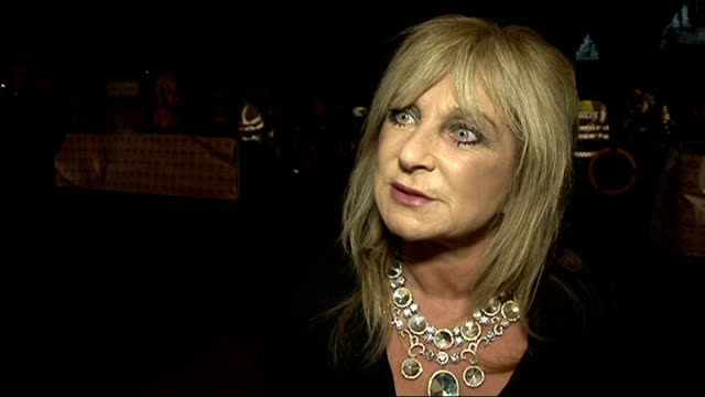 vídeos de stock e filmes b-roll de prince's trust annual comedy gala interviews helen lederer interview sot on being the supply teacher of comedy losing out to miranda on toning down... - helen lederer