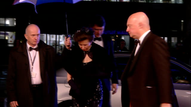 vídeos de stock, filmes e b-roll de princess anne arrives at royal variety performance 2011 england greater manchester salford lowry theatre photography** princess anne princess royal... - variety