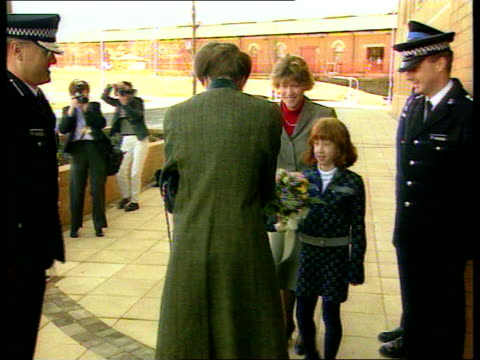 princess anne fined for speeding bv princess anne as girls present her with flowers anne away into building c5f - war in afghanistan: 2001 present stock-videos und b-roll-filmmaterial