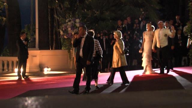 vídeos de stock, filmes e b-roll de princess charlene and prince albert of monaco at the monaco royal wedding reception arrivals at monaco - príncipe alberto ii de mônaco