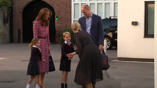 princess charlotte attends first day of school england london wandsworth thomas's battersea ext prince william and catherine duchess of cambridge... - 1日目点の映像素材/bロール