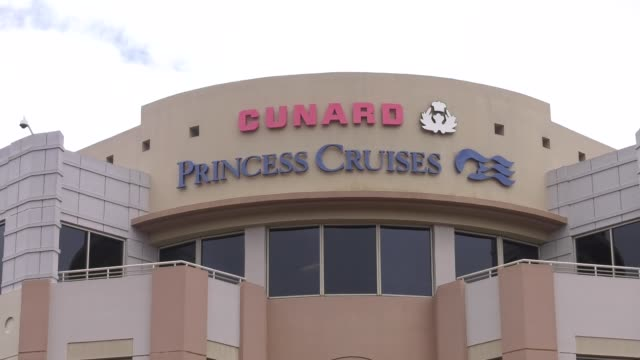 princess cruises valencia town center at 2:30pm in santa clarita, california on march 13, 2020 in various cities, united states. - santa clarita bildbanksvideor och videomaterial från bakom kulisserna