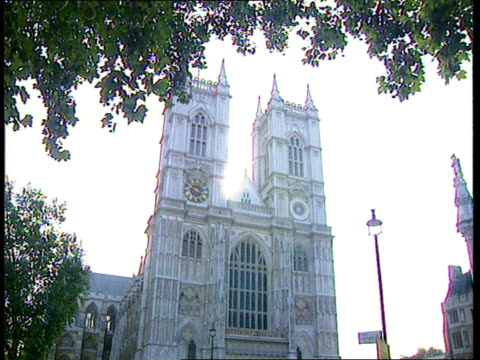 princess diana death; itn westminster abbey: westminster abbey tilt up gir: ronald allison intvwd - expects the funeral service to befit that of a... - westminster abbey stock videos & royalty-free footage