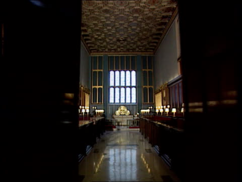 princess diana death u02089505/itn doors open to the interior of st james palace chapel - chapel stock videos & royalty-free footage