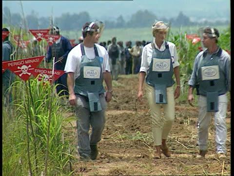 Princess Diana French newspaper interview LIB Princess Diana walking thru minefield with others