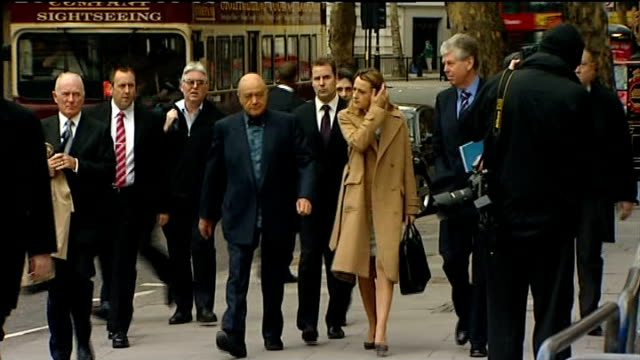 stockvideo's en b-roll-footage met princess diana inquest: coroner rejects conspiracy theories due to lack of evidence; england: london: high court: ext mohamed al fayed arriving at... - lijkschouwer