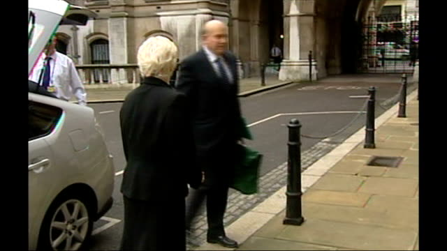 princess diana inquest: judge will conduct inquest without a jury; r08010703 england: london: royal courts of justice: dame elizabeth butler sloss... - judge entertainment stock videos & royalty-free footage