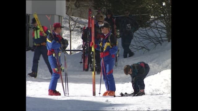 princess diana, prince william and prince harry skiing; austria: lech: ext princess diana, princess of wales with sons prince harry and prince... - austria stock videos & royalty-free footage