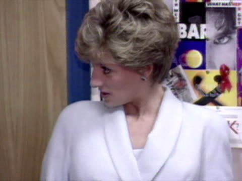princess diana visits mortimer market centre and aids charity centre in euston london - 1994 stock-videos und b-roll-filmmaterial