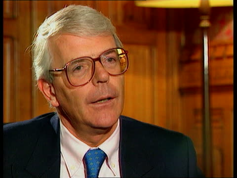 vidéos et rushes de princess diana's death privacy laws itn brunson sitting with john major john major mp intvwd the princess recognised the power of the press and used... - perception sensorielle