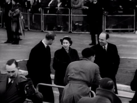 princess elizabeth and the duke of edinburgh walk towards an aircraft at london airport prior to their tour of the commonwealth. 1952. - peerage title stock videos & royalty-free footage