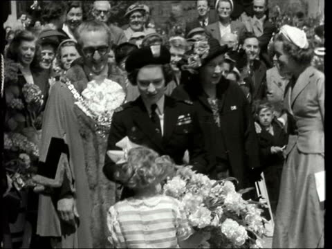 princess margaret at staffordshire rally of girl guides england staffordshire ext gvs crowds and princess margaret arriving gvs margaret given... - convertible stock videos & royalty-free footage
