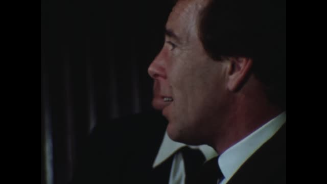 stockvideo's en b-roll-footage met princess margaret separation 86909 lord snowdon press conference on his separation with princess margaret snowdon is in 17376 hong kong for a... - prinses margaret windsor gravin van snowdon