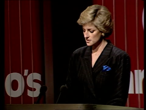 vidéos et rushes de princess of wales at barnardo's; england: london: queen elizabeth 11 conference centre cms side princess of wales smiling as sitting princess diana... - press conference