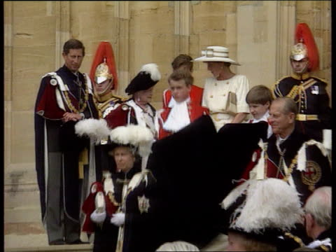 vídeos de stock, filmes e b-roll de england windsor lms order of the garter ceremony taking place with queen duke of edinburgh queen mother and prince charles in ceremonial clothes and... - 1992