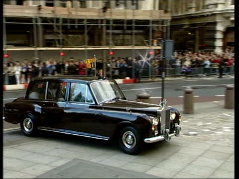 burrell trial collapses lib england london car carrying queen elizabeth ii prince charles prince of wales along as arriving at memorial service for... - memorial event stock videos and b-roll footage