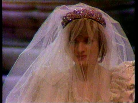princess of wales death: trevor rees-jones profile; lib st paul's: slow motion cms diana in wedding dress and veil towards - ウェディングドレス点の映像素材/bロール