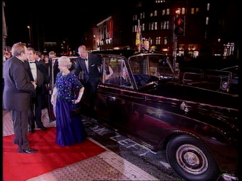 vídeos de stock, filmes e b-roll de princess of wales interview ext/nightlondon ms parked limousine as queen elizabeth ii gets out and greeted followed by prince philipcms queen... - variety