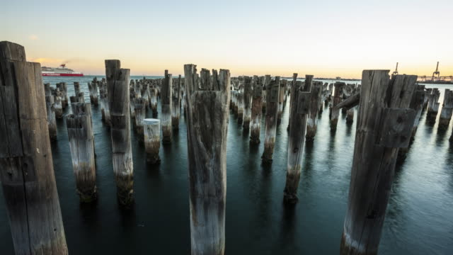 vídeos de stock, filmes e b-roll de princess pier, port melbourne - david ewing