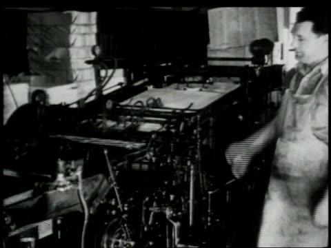 vidéos et rushes de 1948 montage printer printing proofs of comic strip / united states - caméra tremblante