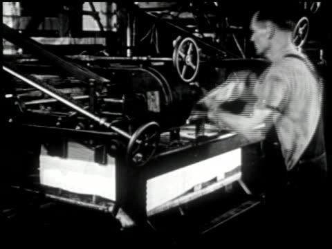 vídeos y material grabado en eventos de stock de printing - 7 of 10 - vea otros clips de este rodaje 2396