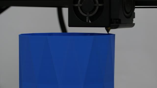 cu of 3d printing blue vase - design element stock videos & royalty-free footage