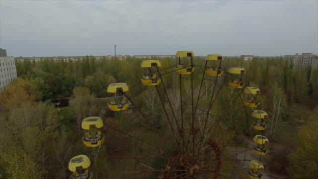 vídeos de stock e filmes b-roll de pripyat abandoned city near chernobyl nuclear power plant - roda gigante